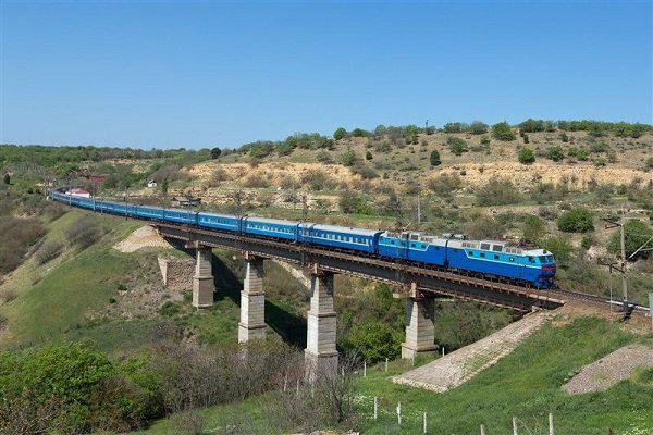 قطار مسیر راه آهن قزوین به رشت به حرکت در آمد